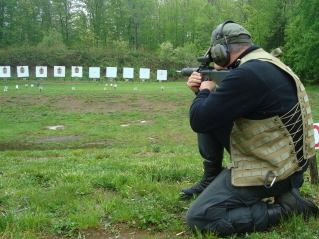 Tactical rifle kneeling position